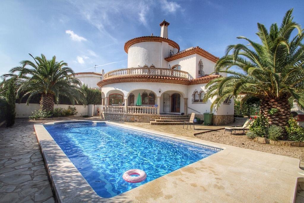 Residencia con piscina en Tarragona