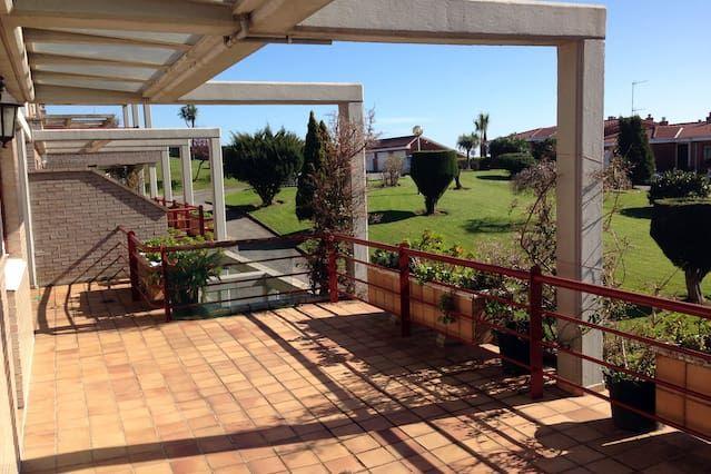 Vivienda con balcón en Luanco
