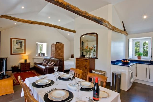 Holiday rental for 7 guests with 2 rooms